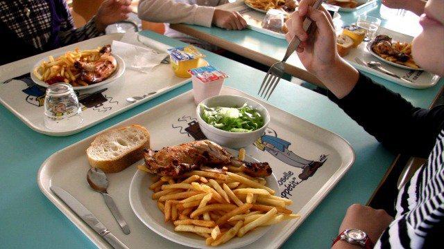 Cantine scolaire temps du repas lors de la pause for Emploi restauration cantine scolaire